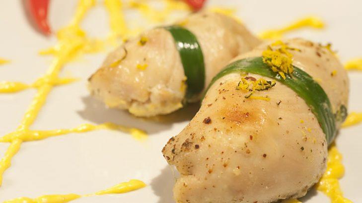 Foto de: Rocambole de frango com molho picante de abóbora