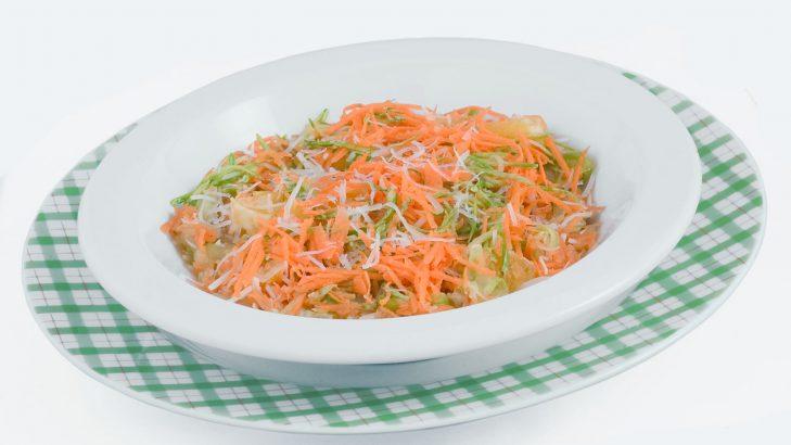 Foto de: Salada de legumes com coco