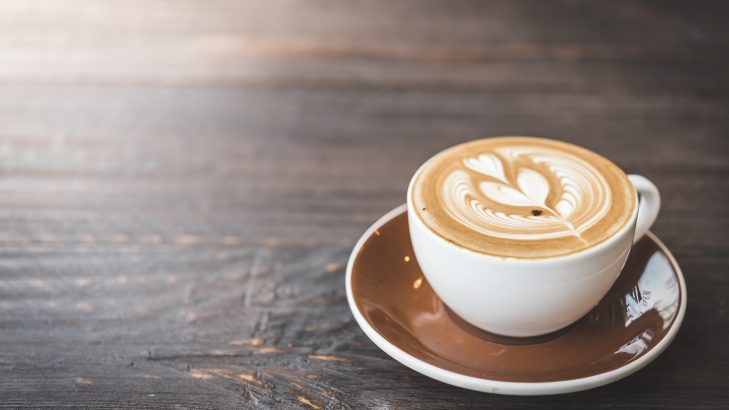 Foto de: Café com leite cremoso