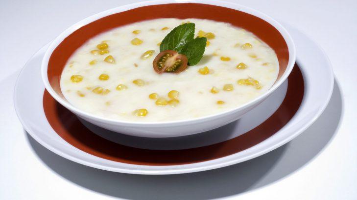 Foto de: Sopa de milho verde com leite de coco